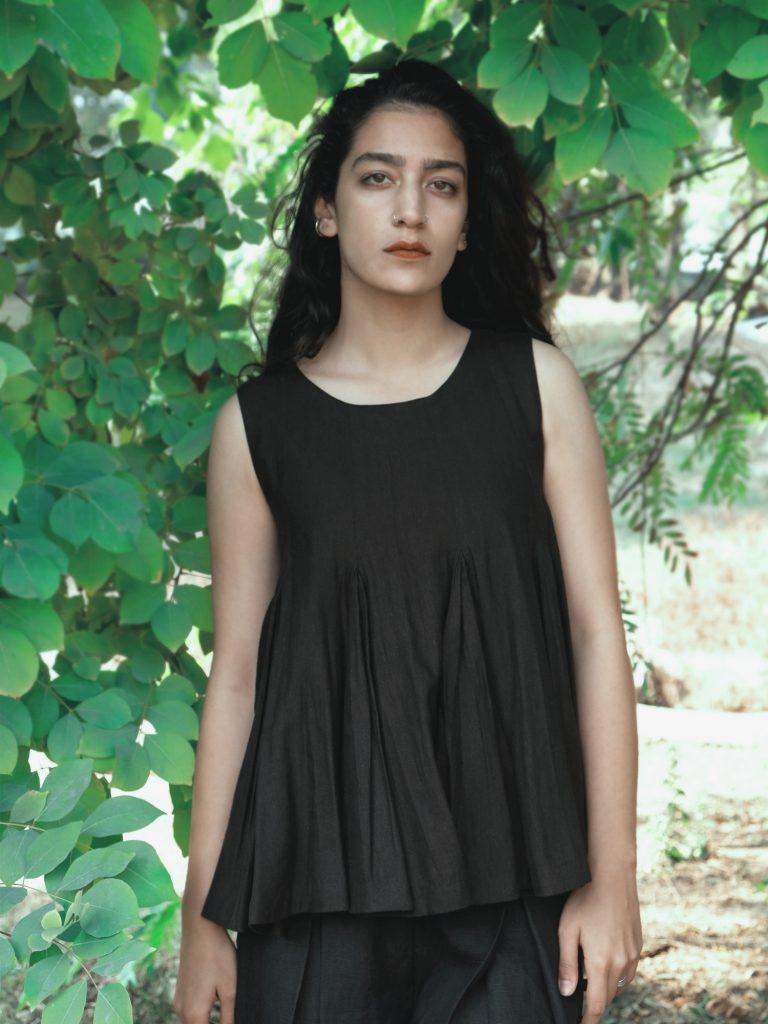 Sleeveless Pleated Black Top