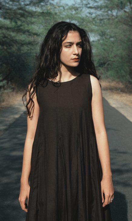 Long Pleated Black Sleeveless Dress