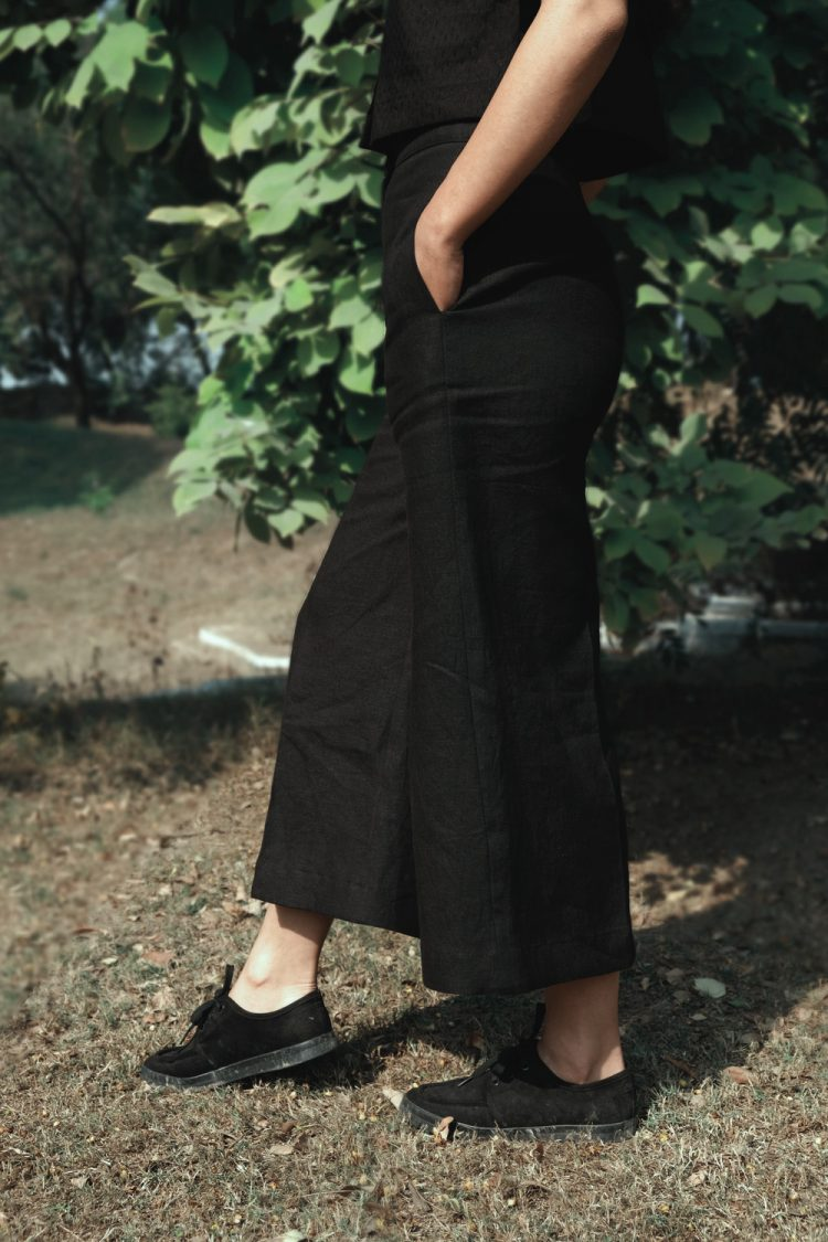Black Linen Flared Pants