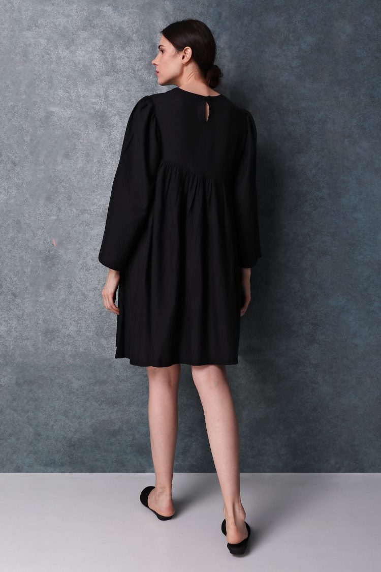 Black Linen Round Neck Dress