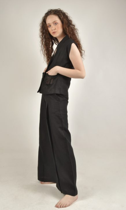 Shell Sleeved Black Linen Top